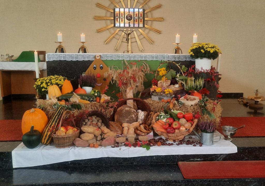 Altar zu Erntedank in Rammelfangen 2021